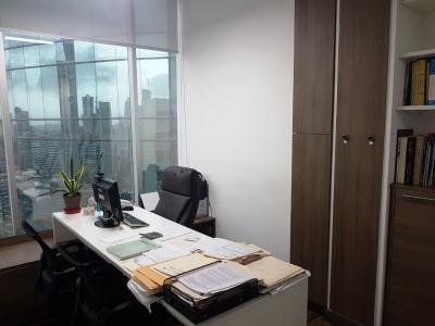 Moderna y céntrica oficina remodelada MPC1691