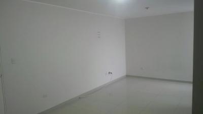 Alquilo departamento en chorrillos a 5 cdras de Plaza Lima Sur