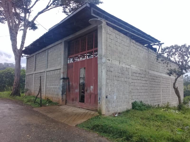 Altos de Paramillo - Locales Industriales y Galpones