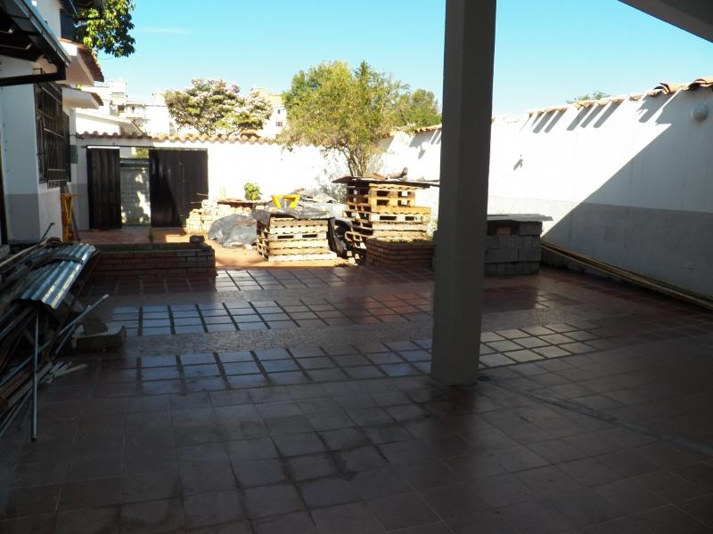 Terreno y Casa La Urdaneta