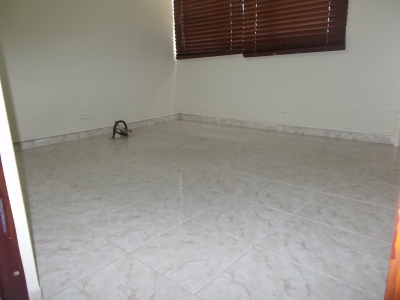 Alquilo Local cubículo Gazcue 3er piso Planta full