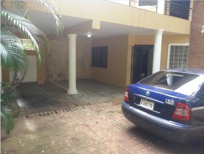 V & M Vende Casa en Arroyo Hondo II