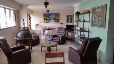 Alquilo Apartamento Naco 3h 220mts p/ Extranjero 6to piso