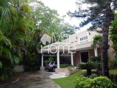 Hermosa Casa en Venta, Arroyo Hondo II, Santo Domingo, D.N.