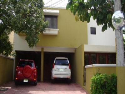 Los Pinos en Venta y Alquiler US$2,200. y US$375,000.