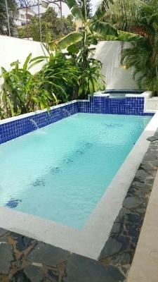 Moderna Casa en Los Cacicazgos, 4 hab + estudio, con piscina y jacuzzi