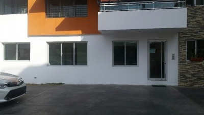 Apartamento de 127 mts, 3 Habs. Miramar
