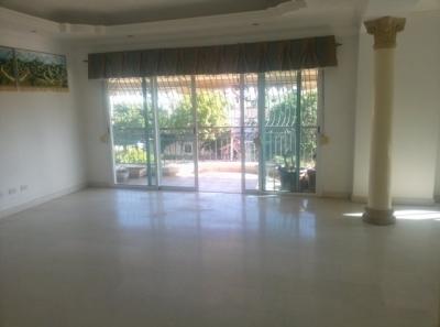 Amplio apartamento de 3 habitaciones ubicado en Bella Vista