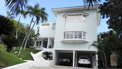 Casa 912 m2