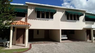 Casa en Venta 3 Hab. en Los Prados RD$9.7MM