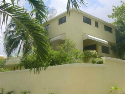 Gran casa en venta en Arroyo Hondo Los Pino