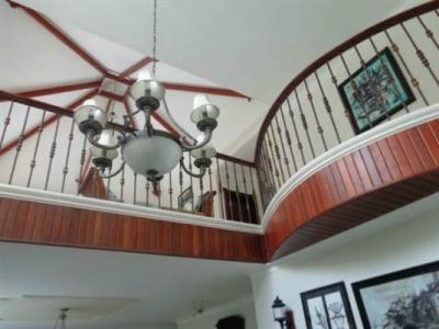 Increíble casa en venta en Alto Arroyo Hondo II, Santo Domingo