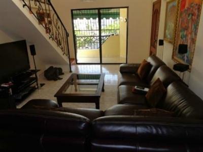 2 Level panthouse en venta en Mirador Norte a una cuadra 27 de Febrero