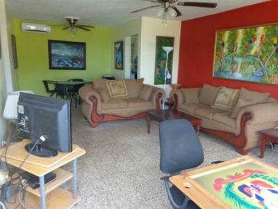 Apartamento con vista al mar en venta en Zona Colonial