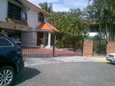 Casa de lujo en alquiler en Arroyo Hondo III, Santo Domingo