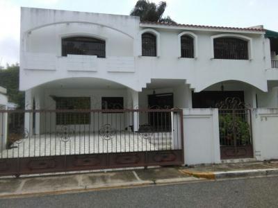 Casa en Arroyo Hondo Viejo