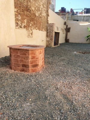 Venta de casa con enorme patio Zona Colonial
