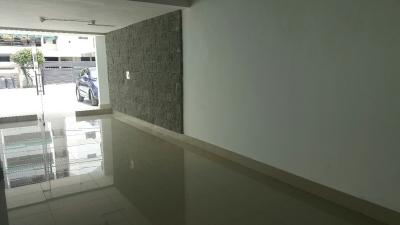 Local en alquiler nuevo de 75 mts en Naco