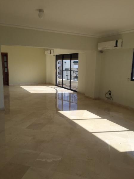 Apartamento en Alquiler de 260M2. La Esperilla.