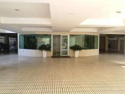 3 parqueos, apartamento Bella Vista, segundo nivel