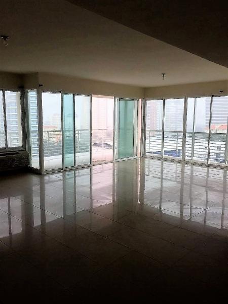 Apartamento en alquiler de 180M2. La Esperilla.