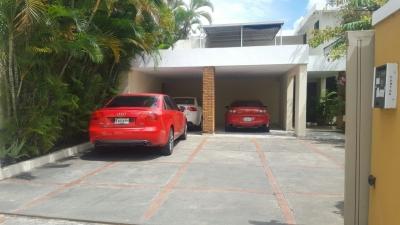CASA DE 4 HABITACIONES EN ARROYO HONDO