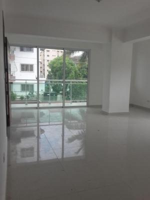 Apartamento Moderno 3hab en Evaristo Morales Próximo a la Churchill y 27 de Febrero c/salón de Reuniones y Vigilancia