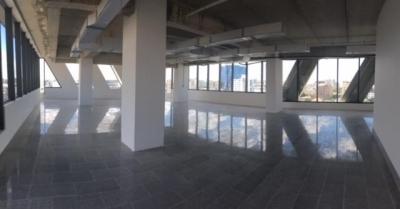 Se alquila Bello y espacioso Local 328m2 Ubicado en Torre Empresarial c/Gym, Salón, Cafetería de Piantini