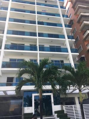 Se alquila Amplio Apartamento Amueblado Linea Blanca Y a/acondicionado en Bella Vista 3hab