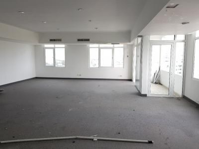 Alquilo local para oficina de 123 m2 en Torre Empresarial - Esperilla