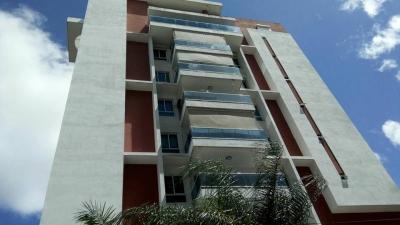 Excelente apartamento con terraza en Serralles