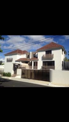 Casa Colinas de Arroyo Hondo