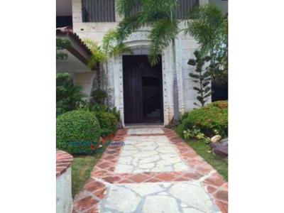 Se Vende hermosa casa, 4 habitaciones, Julieta Morales, Santo Domingo