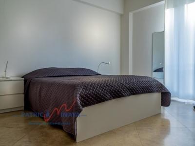 Apartamento en venta, 2 habitaciones, Zona Colonial, condominio moderno.