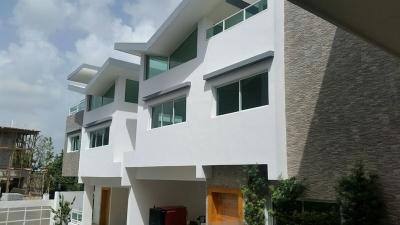 Casa en Arroyo Hondo de 2 Niveles...