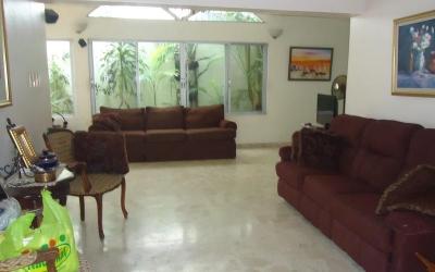 Casa Cómoda y Espaciosa en Arroyo Hondo Viejo