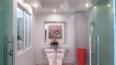Bello y amplio apartamento en venta en Serralles