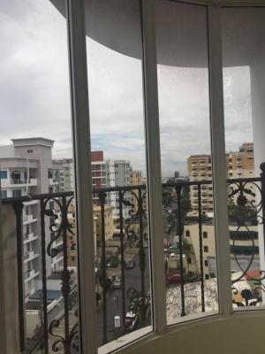 Apartamento en Evaristo Morales US$235,000.00  185M2