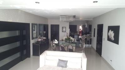 Apartamento en Serralles 150M2 US$215,000.00