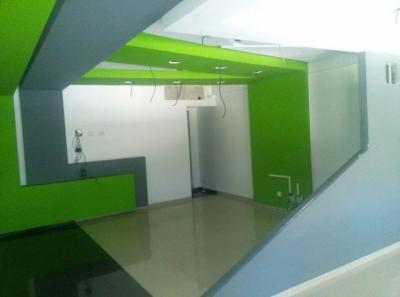 Local comercial de 48mts2 ubicado en Urb. Fernandez