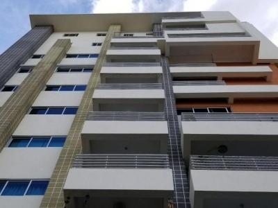 Apartamento en Alquiler en Evaristo, Torre Moderna. GYM