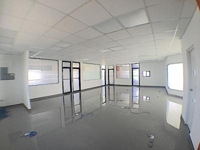 SOLO US$9.00 el mt2 de oficina. desde 84 mts2 . Baño, parqueo, elevador y planta