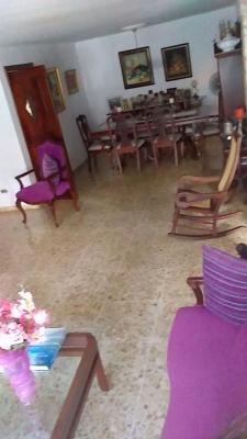 Casa en La Julia en Alquiler US$1.8K en zona privilegiada
