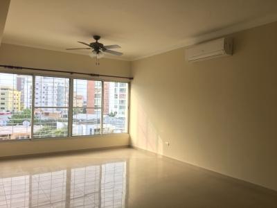 Apartamento en alquiler con Linea B. en Serralles 2H 2.5B 2P