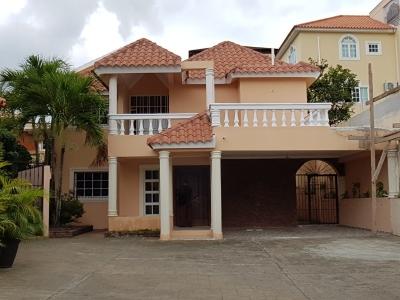 Alquilo casa amueblada de 3 hab en Arroyo Hondo 2