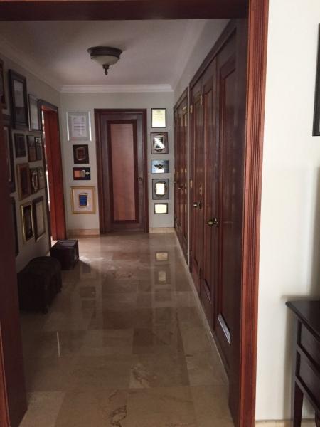 HERMOSA CASA A LA VENTA EN SECTOR LOS CACICAZGO