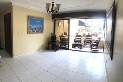 Amplio Apartamento Evaristo Morales / 3 hab