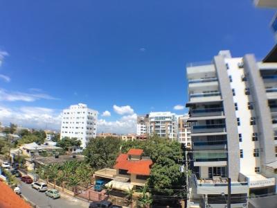 Evaristo Morales - Dos niveles y terraza propia. Vista despejada.