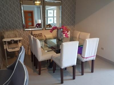 Apartamento estilo contemporaneo en Evaristo Morales  2 hab. 2.5 baños