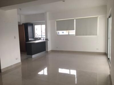Apartamento en alquiler ubicado en Evaristo Morales. 2H 2.5B 2P